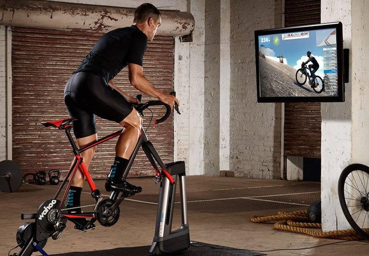 Để có thể sử dụng bạn cần có các thiết bị tương thích: smart trainer hay classic trainer
